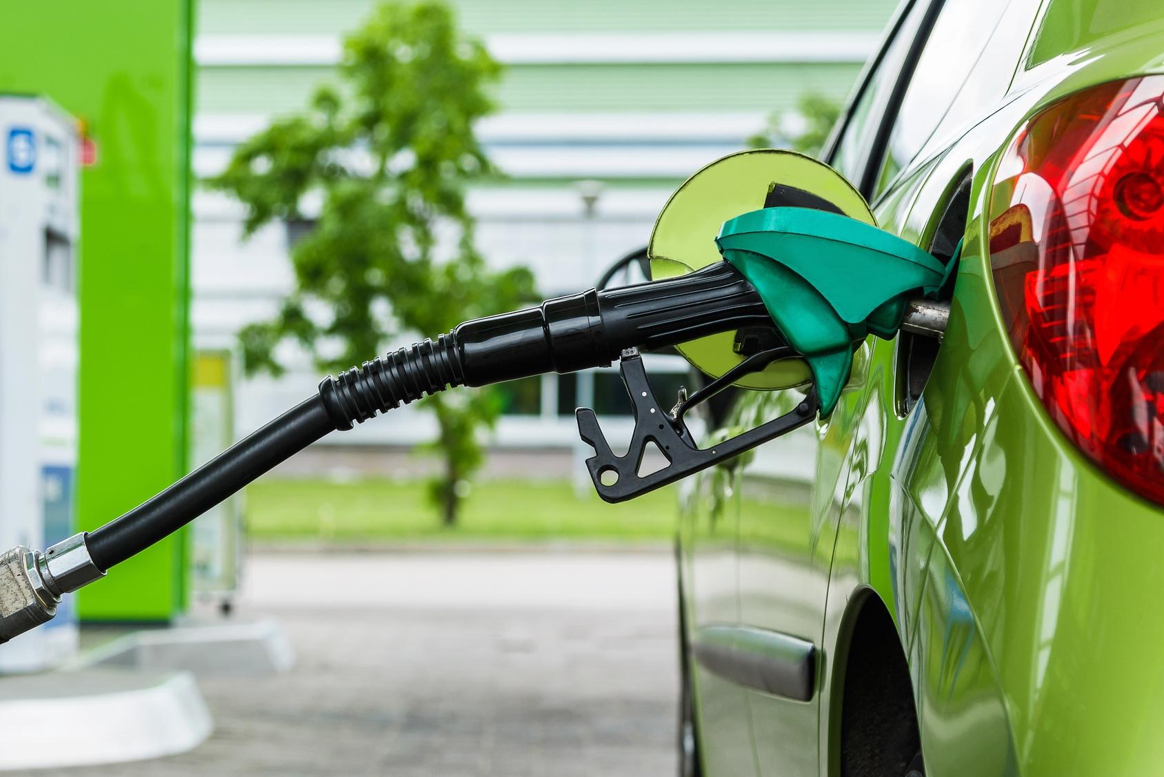 oszczędzać paliwo