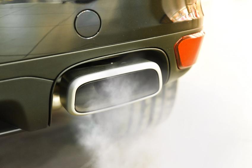 auto dymi
