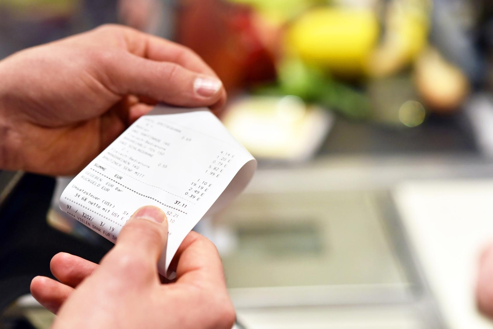 paragon fiskalny, faktura uprszczona, faktura VAT, odliczenie podatku, sprzedaż, rozliczenia podatkowe, doradca podatkowy, księgowy,