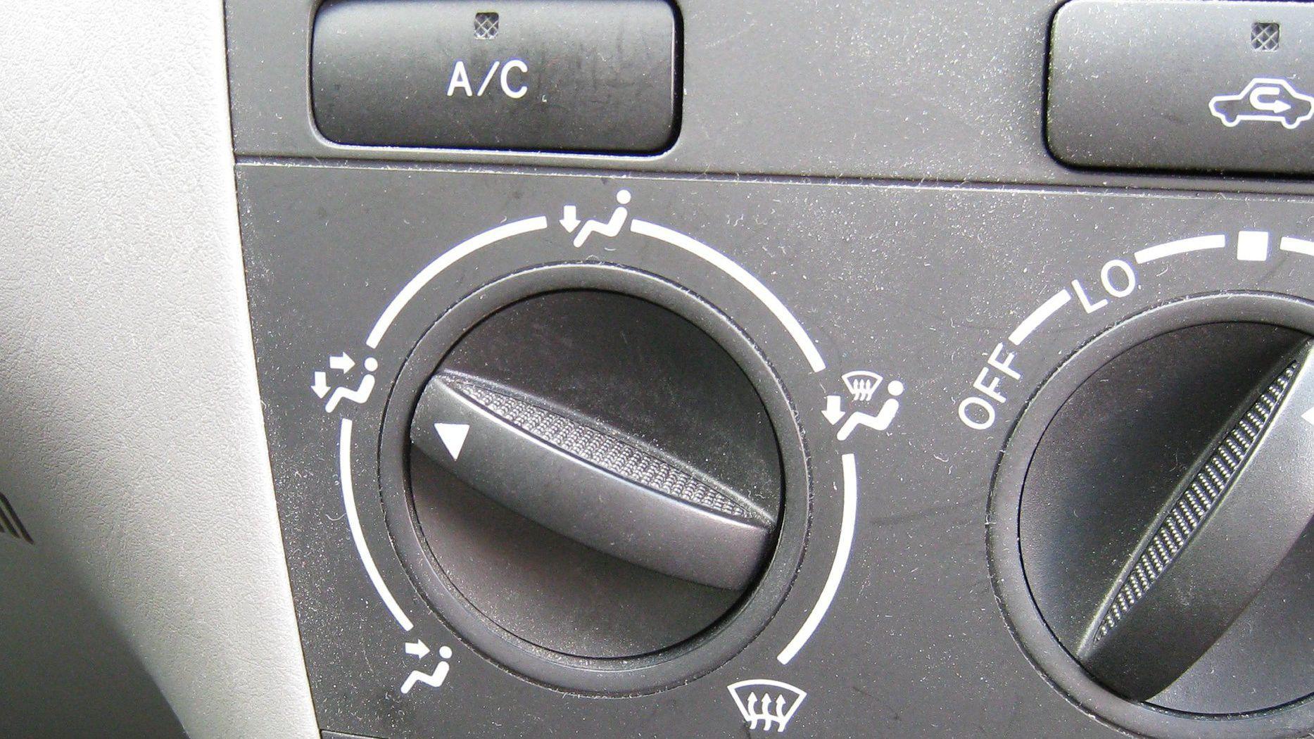 zapach z klimatyzacji