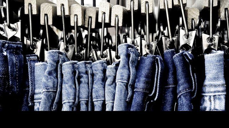 Odpowiednie jeansy